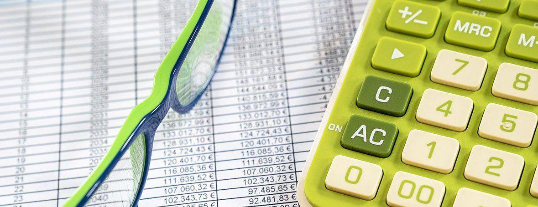 Brille & Taschenrechner   Immobilienwert Greens Immobilien